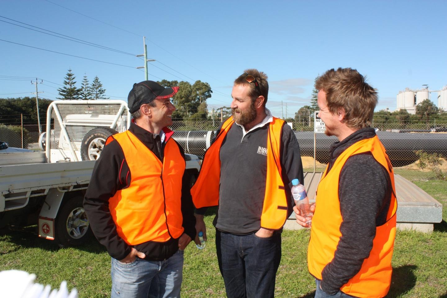 Boekeman Machinery Dalwallinu sales representative Matt Joyner (left) with Dalwallinu farmers Murray White and Dion Mangini.